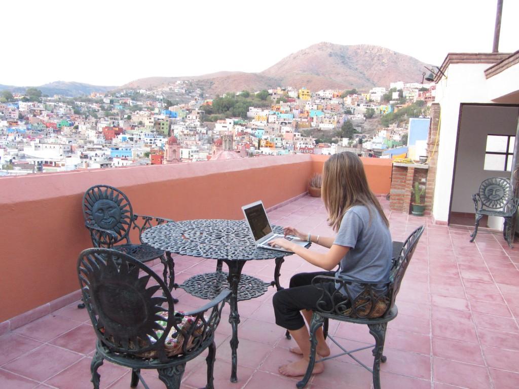Cat's study carrel in Guanajuato